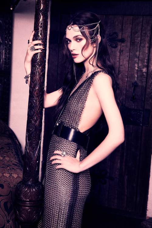 suicideblonde:  Keira Knightley photographed by Ellen von Unwerth