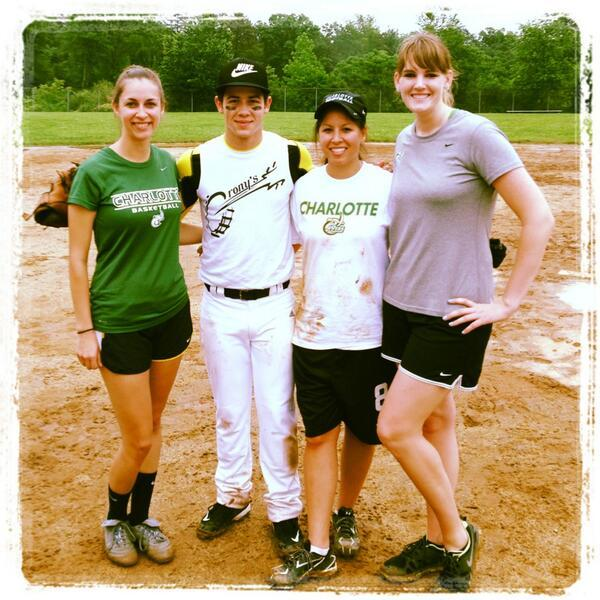 ‏@katyhack9: Thanks for softball and dinner @nickjonas. We enjoyed it!! Hope all goes well finishing filming this week.