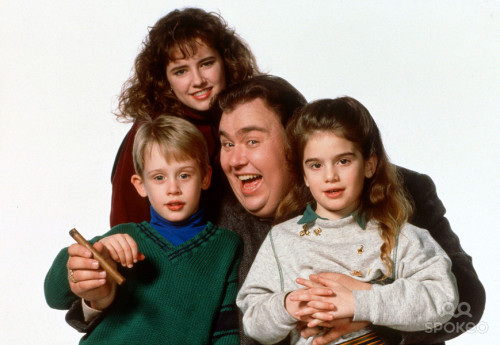 jadechan12fan:  Another cast pic for the 1989 film Uncle Buck… :)