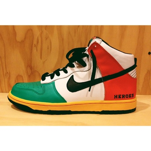Shout out to @thecrosscustoms for these custom Heroes For Sale dunks I received @ the release party last night. Thanks @iamsetfree!