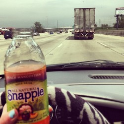 A snapple and the highway. #peachmangoteen #friday #onthemove