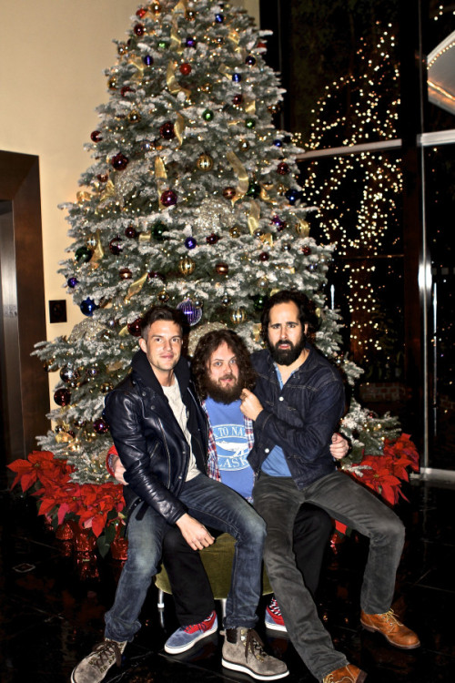 Merry Christmas from The Killers! Xmas EPhttp://bit.ly/Xj8Klj  This year's single http://bit.ly/TGZVMB