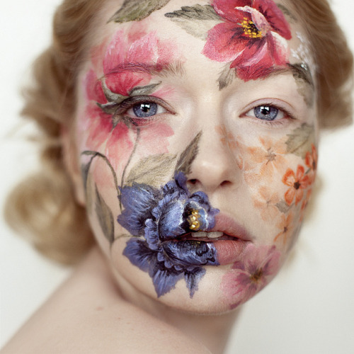 toxicshocksyndrme:  wilting-tulips:   Photo by Andrea Hübner  Make-up by Eva Gerholdt  holy hell this is so beautiful i cant even  Inspiration!