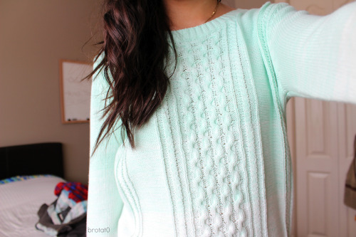 brotat0:  New sweater c: you can barely see the teal at the top :(