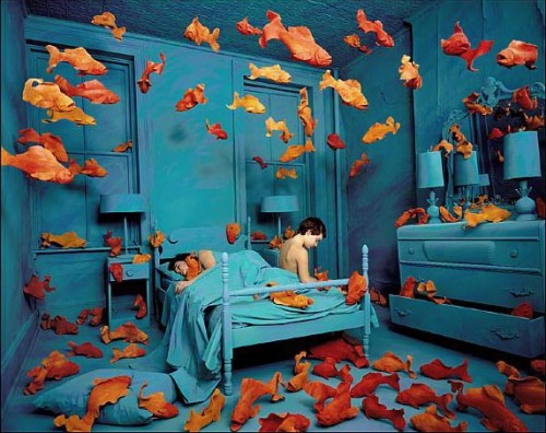 Sandy Skoglund, Revenge of the Goldfish, 1981.