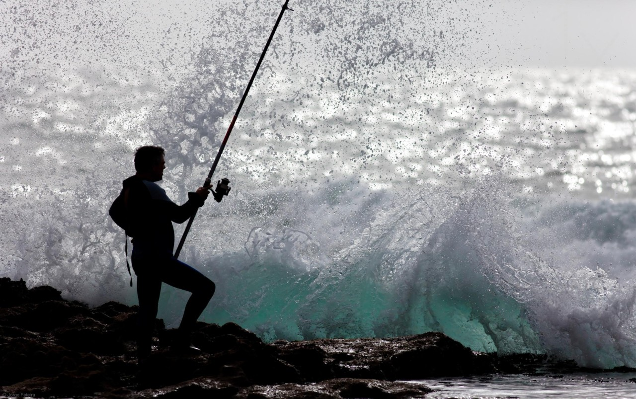 scentofpleasure:  Fishing with Style  by Jorge Feteira ~ Magoito, Portugal