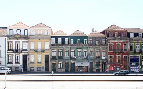 left-nut:  Porto by Cürük visne on Flickr.