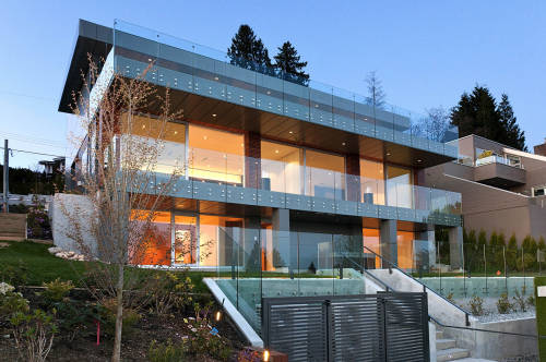 designed-for-life:  minimalmodernist:  Contemporary Home, West Vancouver