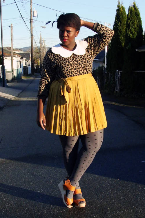 styleisstyle:  modcloth:  A pretty patterned look from Lydia of Style is Style.  GPOY time