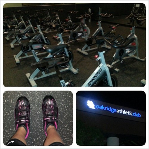 Still dark mornings, ready to sweat! Arent spin shoes so cute? 😉#cardio #gymtime #dark #earlymorning #workout #spinning #bikes #shoes #sweat #friday #tgif #gym #fitnessaddict #fitspo #fitmom #noexcuses #onlyresults #motivation#inspiration #dedication #fitfam #instagrammers #helloweekend qp