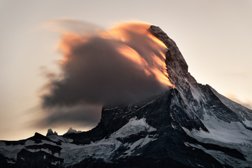 razorshapes:  Rafael Rojas - Burning peak (Matterhorn, Switzerland)