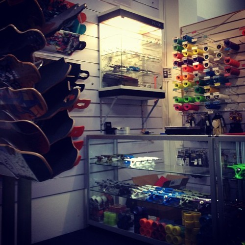 goskatelongboard:  Came into #hopkinskate to get some better bushings for my #landyachtz #rippleridge going for a skate later to see how they feel compared to the stock #independenttrucks ones. #skate #skateboarding #longboard #longboarding #myweekonboard