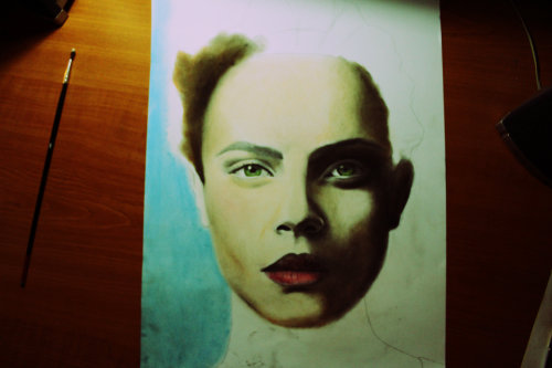 realistic drawing, with dry pastel - not finished - <3