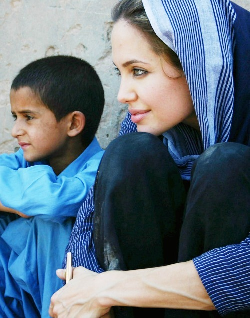 down-goesanotherone:   ON THIS DAY: 5th May, 2005Angelina Jolie visits Camp Kacha Gari in Peshawar, Pakistan