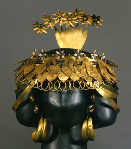 Headdress of Queen Puabi of Ur, Mesopotamia, 2550 BC.