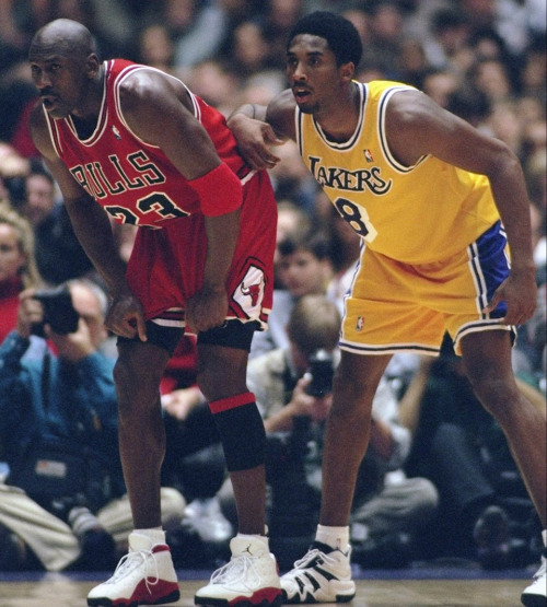 lovingbasketball:  Phil Jackson comes out with new book, compares Kobe & Michael