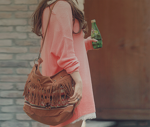 forever-and-alwayss:  I have yet to get myself a fringe bag !