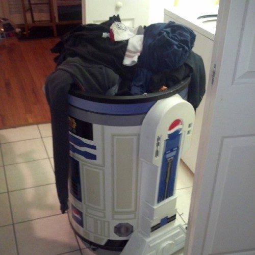 The new laundry hamper rules @vakos  (at The Death Star)