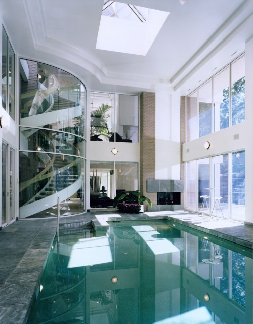 i-willbe-skinny:  hkangela:  #reflection  Dat staircase.