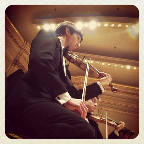 willroanephoto:  Wyatt Underhill '13, Concertmaster of the Oberlin Orchestra, rehearsing at Carnegie Hall