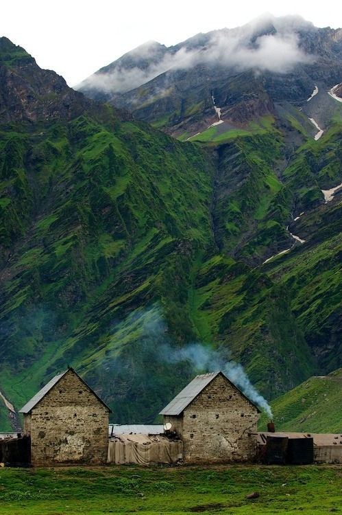 Mountain Home, Iceland photo via besttravelphotos