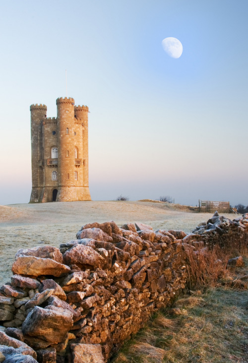travelingcolors:  Broadway Tower | England (by Rob McColl)