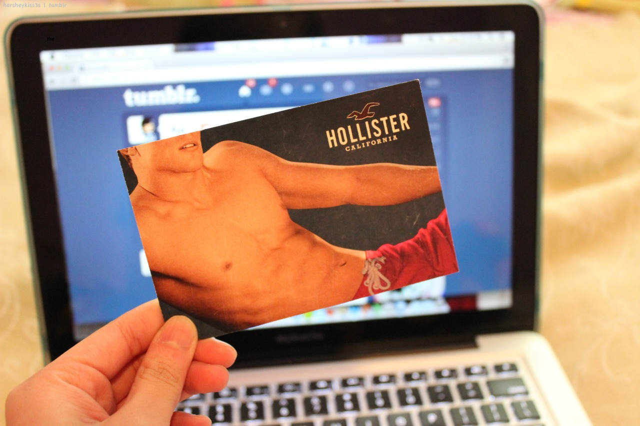 hersheykiss3s:  oh the things i would do to Hollister models….dat body. unf.