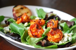 prettygirlfood:  Tandoori Shrimp Salad 24 shrimp (peeled)2 T Rajah Tandoori Masala2-3 cloves crushed garlic, or 1 T garlic pastejuice from half a lemonsalt, pepperolive oil Salt and pepper shrimp.  Mix together tandoori masala with lemon juice and some olive oil and garlic.  Coat shrimp with seasoning and let marinate about 20-30 minutes.  Skewer and grill for just a few minutes on each side.