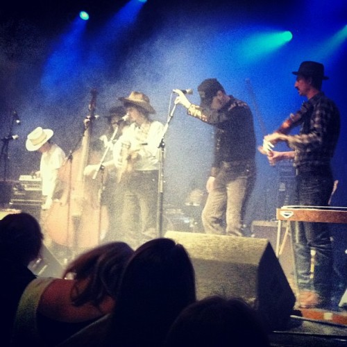 @samdoores - #RileyDowning and the #Tumbleweeds are giving @alabama_shakes a run for their money.  (at Uptown Theater)