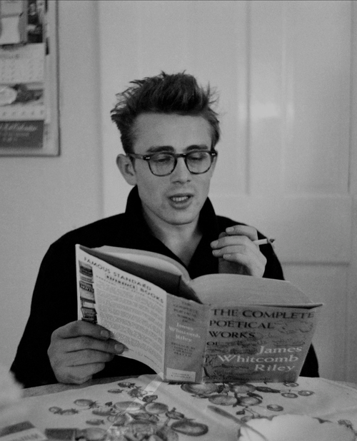 celebritiessmoking:  James Dean