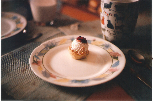 liuness:  this is not a cupcake by chica miau on Flickr.