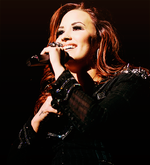 favourite pictures of demi lovato (7/100)