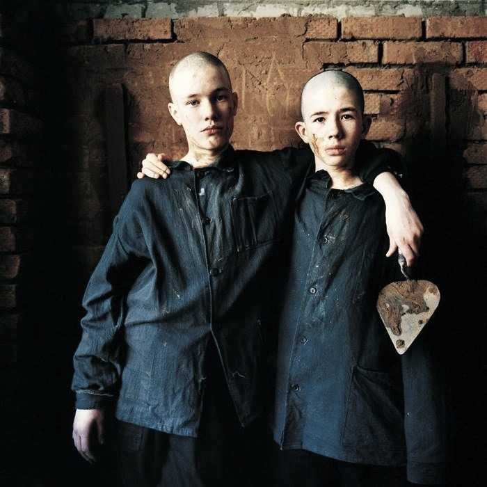 omyt:  Dima and Maksim, Juvenile Prison for Boys, Russia 2009 Ph. Michal Chelbin