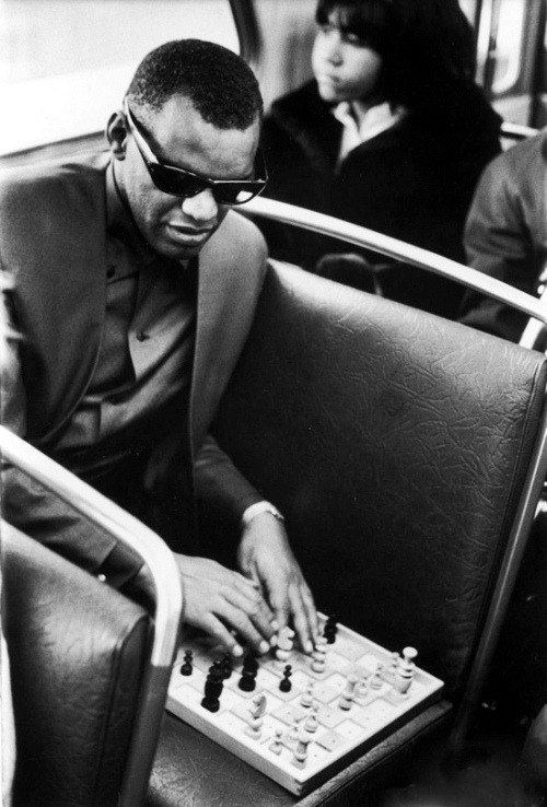 fuckyeahvintage-retro:  Ray Charles plays Four Knight's Gambit