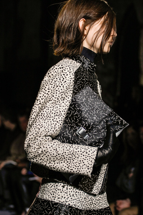 yourmothershouldknow:  Proenza Schouler Otoño/Invierno 2013 Semana de la Moda de Nueva York ….. Proenza Schouler Autumn/Winter 2013 New York Fashion Week
