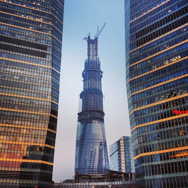 Shanghai Tower going up. Already taller than SWFC and Jin Mao.