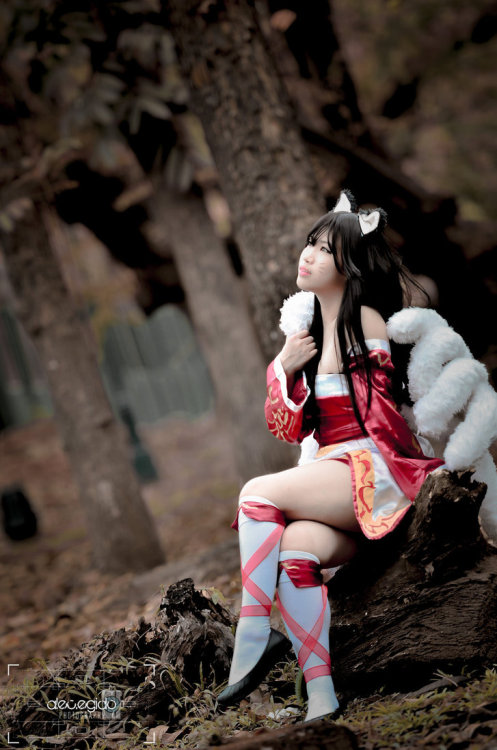 Ahri, waiting for dawnby ~linling9557
