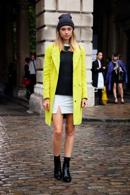 いい黄色! - 海外のストリートスナップ・ファッションスナップ