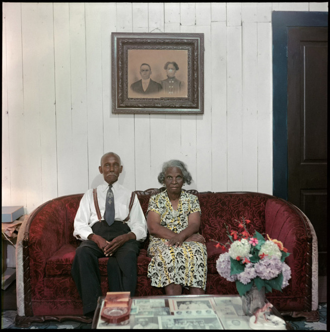 thesmithian:  +++++ art: photo by Gordon Parks—'Mr. and Mrs. Albert Thornton,' Mobile, Alabama 1956