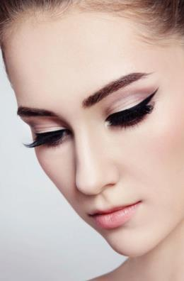Eyeliner is a cosmetic chameleon! Beautiful..