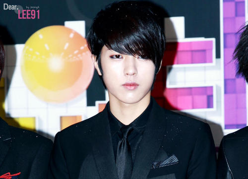 -sungyeol-:   121229 SBS Gayo Daejun © Dear.LEE91Do not edit/crop/remove the watermark.