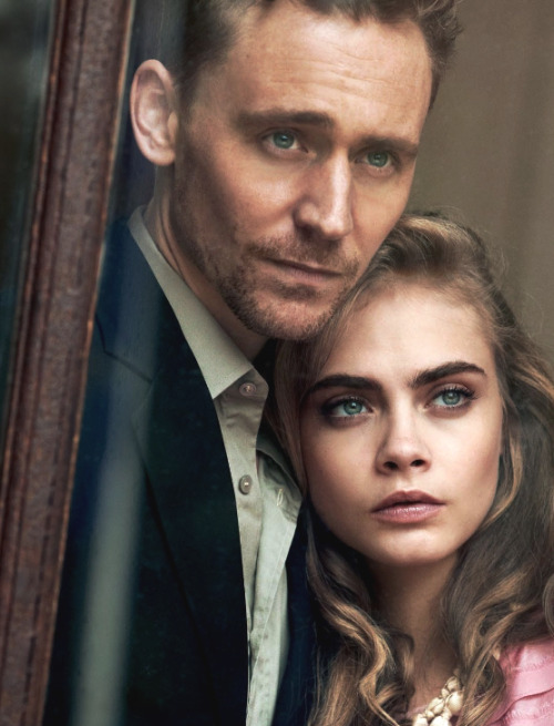 furples:  Tom Hiddleston and Cara Delevingne for Vogue Us May 2013 by Peter Lindbergh  cosita >.<