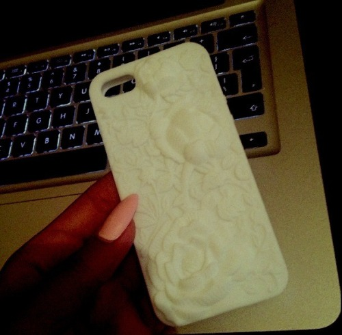 allblackfurandglam:  new phone case they sent me one a free iPhone 5 one too lol
