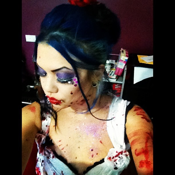#glitter #blood & #gore Shooting promo material for the @_trashdolls glitter & gore party! #trashdolls #makeup #photoshoot #fun #me #aishaphantasma