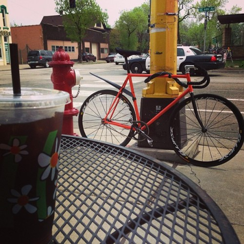 Rain stopped. Coffee ride commencing. #fromwhereiride #trackbike #fixie #fixedgear #coffeeride #aftertherain #igersmpls #minneapolis  (at Dunn Bros Coffee)