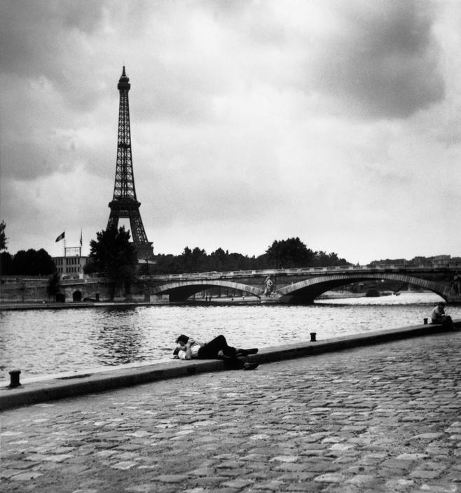 Paris, July 1952 by Robert Capa(viaMagnum Photos Blog)