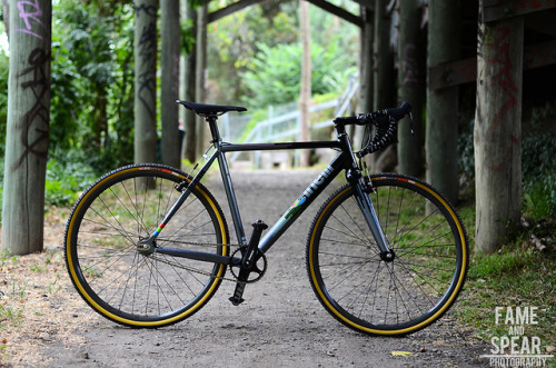 bedjuztpebrie:  Dean's Mash SSCX. by Fame & Spear. on Flickr.
