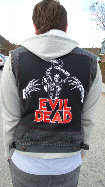 kyleromain:  So I started a new vest. This one will be horror themed, so the patches and buttons will either be horror movies or horror punk bands. I'm excited about this.  holy. shit. i need that.