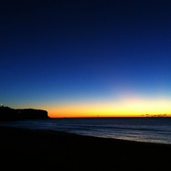 This morning take 1 #newport #beach #sydney #sunrise http://bit.ly/129JRam