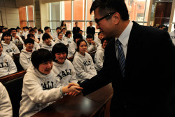yaleuniversity:  U.S Ambassador to China Gary F. Locke, a 1972 alumnus of Yale College, visits Yali Middle School in Changsha. The Yale-China Association founded the school in 1906. The first Chinese-American to serve as U.S. Ambassador to China, he is one of many distinguished Yale alumni to serve as ambassadors to China in recent years.